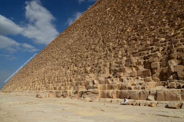 man-sitting-on-the-pyramid2