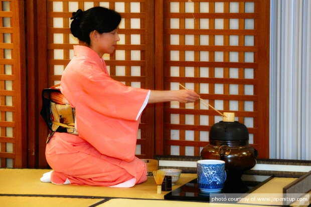 Japanese-Tea-Ceremony-Usucha-.jpg