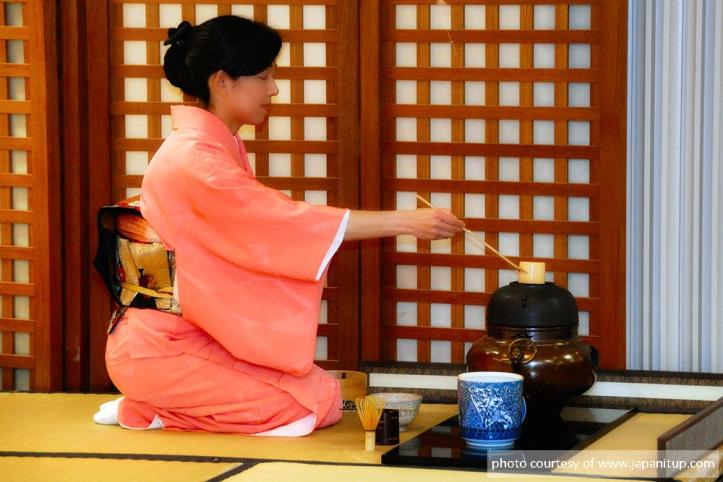Japanese-Tea-Ceremony-Usucha-.jpg