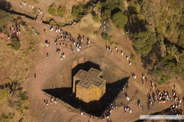 place-ancient_temples_of_lalibela_mysterious_underground_021.jpg
