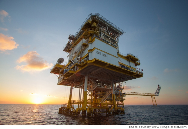 Qué es, cómo se obtiene y cuáles son los usos del petróleo? www.20minutospordia.com